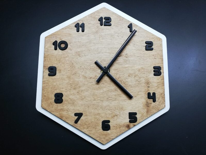 Koka pulkstenis #4